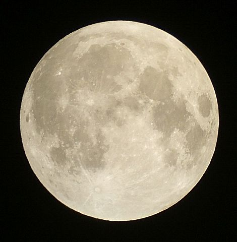 満月~部分月食は見られるか_e0089232_23161423.jpg