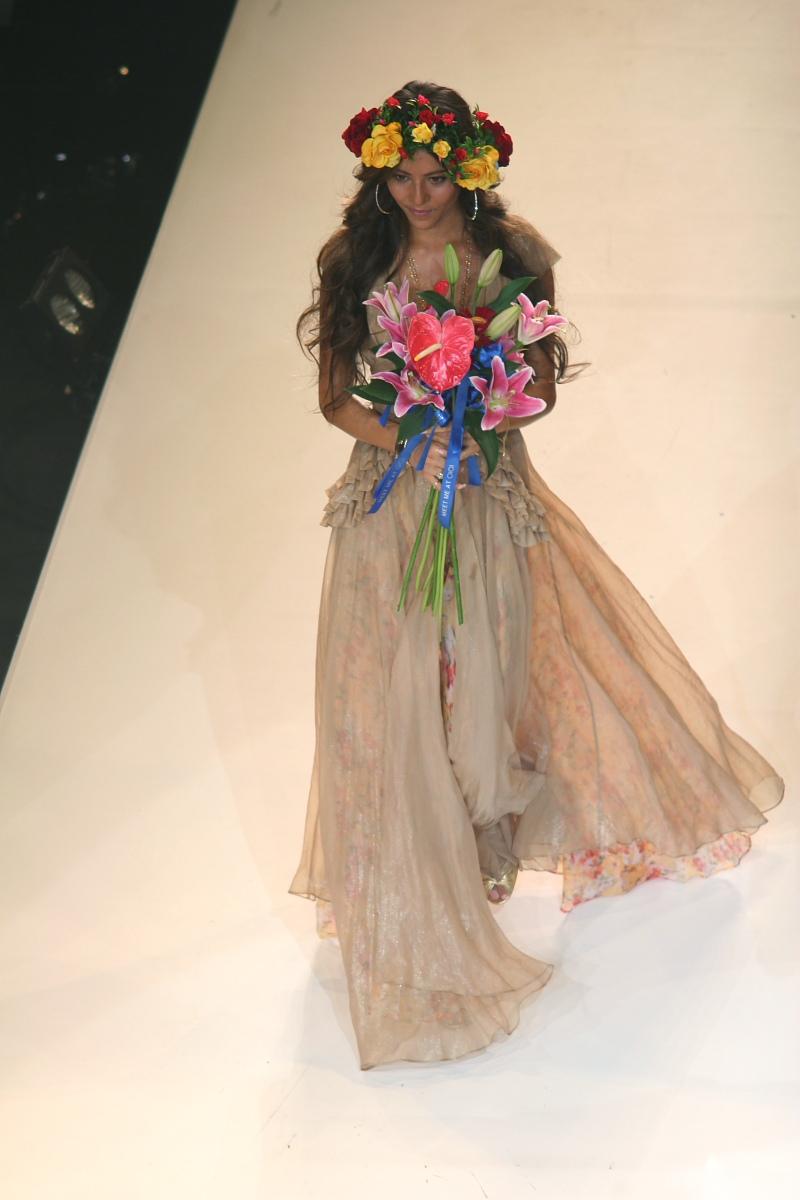神戸コレクション 2006 A/W  Wedding_f0021869_454546.jpg