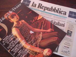 イタリアの新聞_f0106597_3401521.jpg