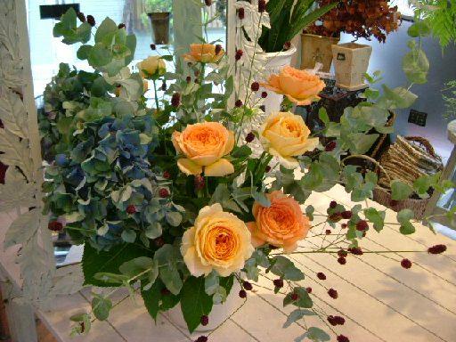 オークリーフ花の教室(そまきさん(上)と落合さん(下)の作品_f0049672_8292341.jpg