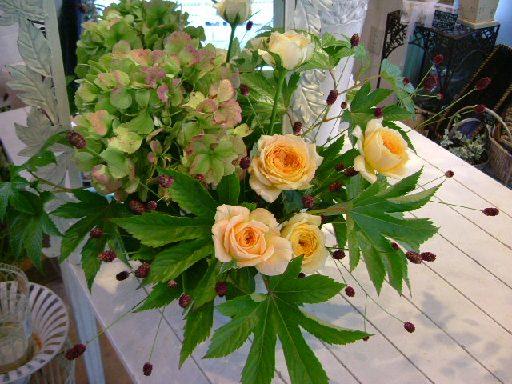 オークリーフ花の教室(そまきさん(上)と落合さん(下)の作品_f0049672_8293185.jpg