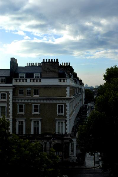 PAUL South Kensington 朝の焼きたてパン_a0003650_21285170.jpg