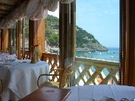 18日 06夏 南イタリアへの旅  taverna del capitanoで食事、その後ナポリへ。_a0059035_0523151.jpg