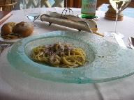 18日 06夏 南イタリアへの旅  taverna del capitanoで食事、その後ナポリへ。_a0059035_0553287.jpg