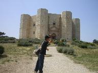 20日 06夏 南イタリアへの旅  プーリア州編 世界遺産カステルデルモンド Bariへ_a0059035_711827.jpg