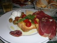 20日 06夏 南イタリアへの旅  プーリア州編 世界遺産カステルデルモンド Bariへ_a0059035_753571.jpg
