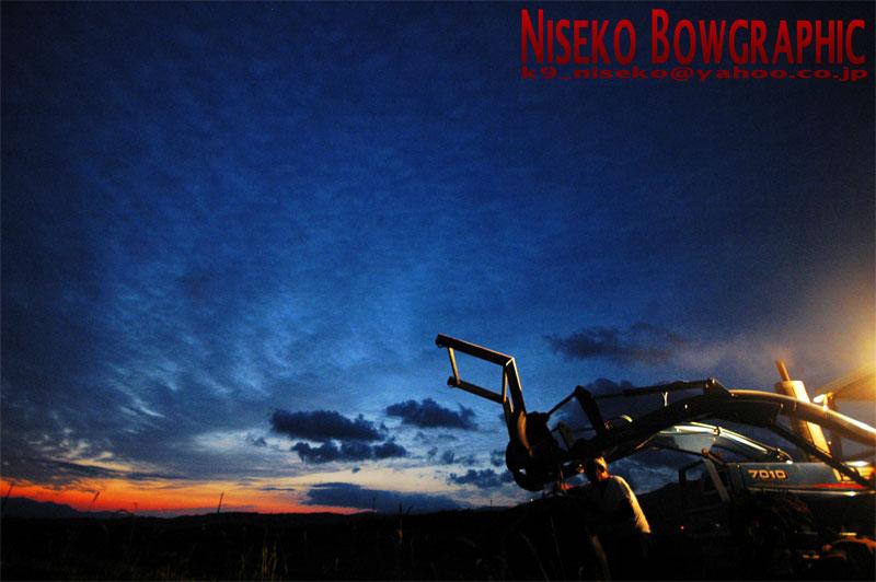 日没直後のニセコは荒野だった。_b0086920_23402946.jpg