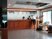ホアヒン・バンコク旅行記2006その3~エアポート・スイーツ・バンコクで1泊_c0060651_8154125.jpg