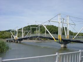 十二町潟横断橋_e0030180_17434048.jpg