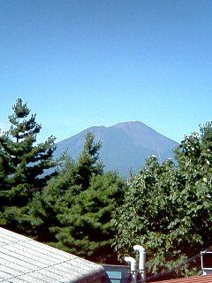 玉山から見る岩手山_e0012815_1027890.jpg