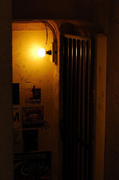通りすがりの三条通で。_f0032011_2162796.jpg
