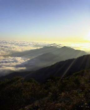 6時15分  今朝は  雲海もみごと_c0089831_6192687.jpg