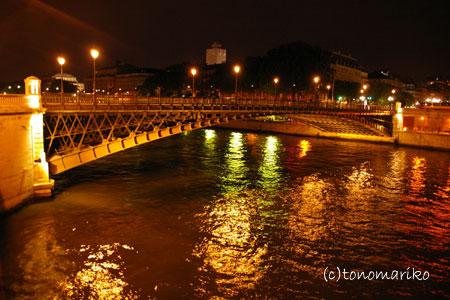 夜のセーヌ川さんぽ_c0024345_8495528.jpg