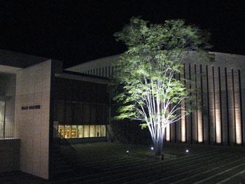 夜が素敵な、奥田元宋・小由女美術館_a0047200_23163484.jpg