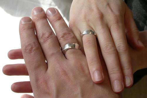 指輪の跡のヒミチュ!_a0037910_16282027.jpg