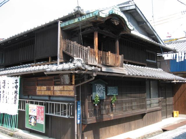 屋根神さま_f0016320_1393091.jpg