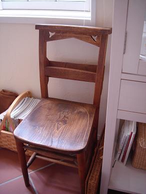 アンティークの椅子_e0086738_22473286.jpg