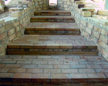 窖窯を作る/床張り_c0081499_12425894.jpg