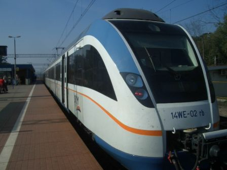 新型のワルシャワ近郊電車_b0017215_22471596.jpg