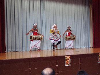 チャンナ・ウプリ スリランカ舞踊団_b0074601_1648827.jpg