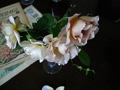 花のある帽子 ~♪エリック・サティ グノシエンヌ_f0007106_122878.jpg