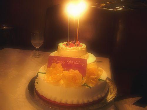♡。・*。゚+  代官山 タブローズ TABLEAUX で Happy  Happy birthday  .+゚。*・。♡_a0053662_075552.jpg