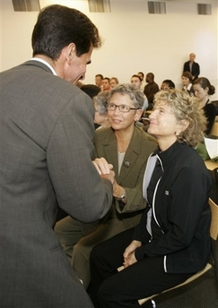 California: Gay marriage advocates vow to appeal_d0066343_2245349.jpg