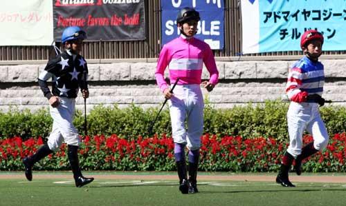 毎日王冠の東京競馬場は超満員_a0009035_18585156.jpg