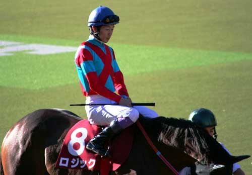 毎日王冠の東京競馬場は超満員_a0009035_1985322.jpg