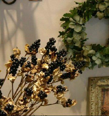 オークリーフ(パールツリー、秋の実物)_f0049672_12404612.jpg