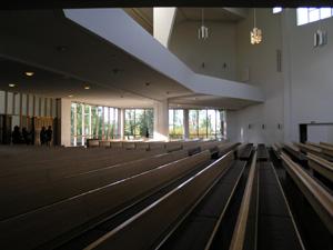 アールトデザインの神髄「ラハティの教会」_d0027290_0251623.jpg