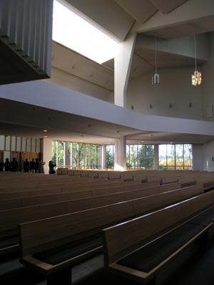 アールトデザインの神髄「ラハティの教会」_d0027290_0253814.jpg