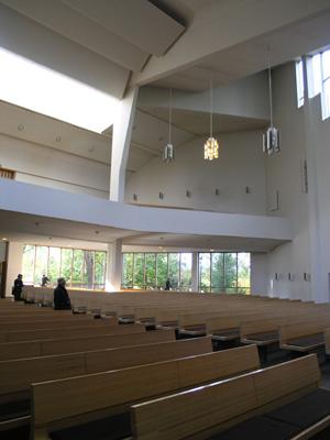 アールトデザインの神髄「ラハティの教会」_d0027290_0264012.jpg