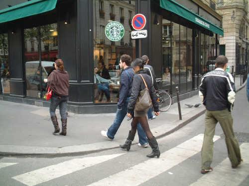 ■パリのスタバ(Starbucks)_a0014299_1983441.jpg
