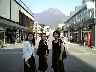 06社員旅行-湯布院・博多_d0054704_2375347.jpg