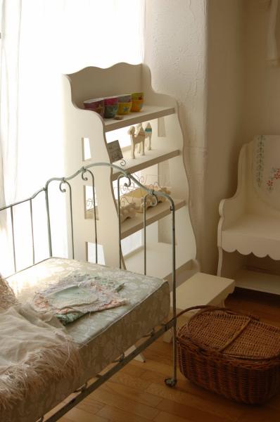 エミリーちゃんのお部屋、製作中_c0055551_14494440.jpg