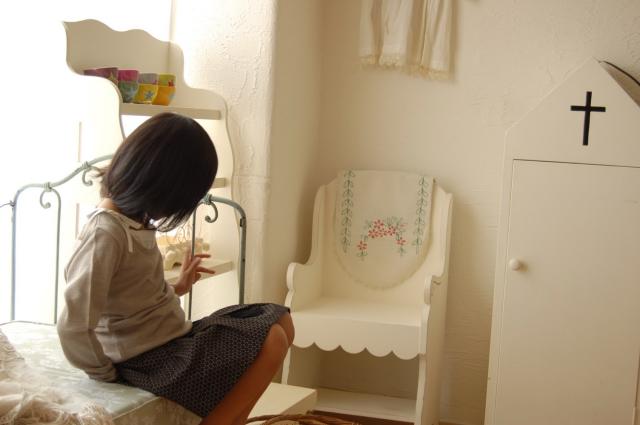 エミリーちゃんのお部屋、製作中_c0055551_14521100.jpg