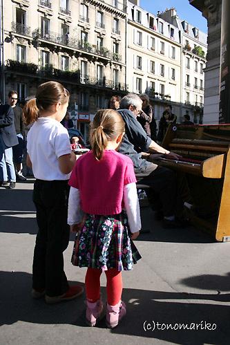 街頭のジャズピアニスト_c0024345_1502053.jpg