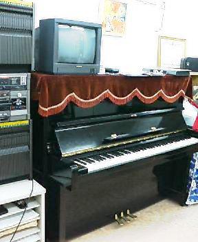 ピアノ_a0086270_2351579.jpg