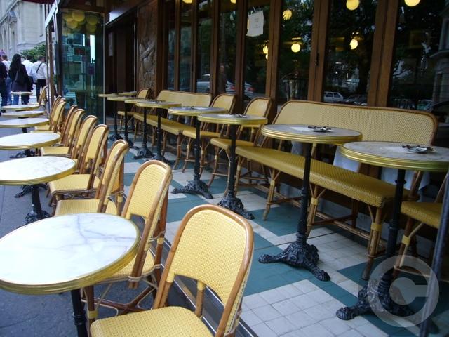■街角のキャフェ(パリ)_a0014299_15929100.jpg