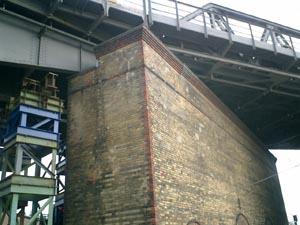 100年の重みに耐えた橋 - 天使の降りた場所(13) -_e0038811_50112.jpg