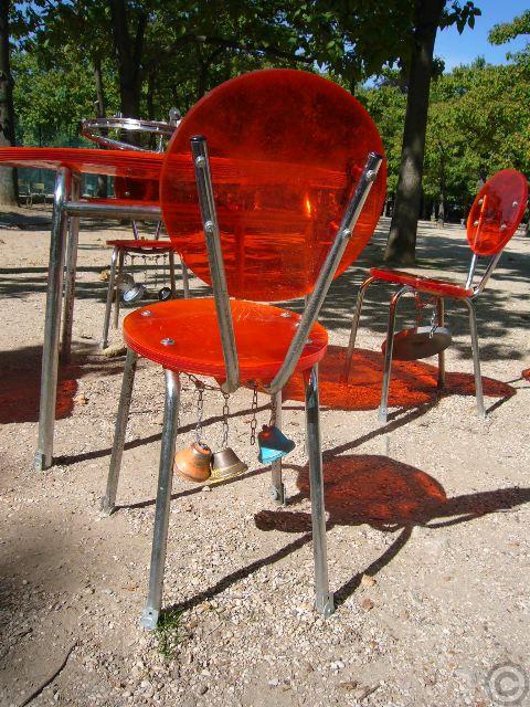 ■街角のアート(リュクサンブルグ公園、パリ)_a0008105_17513552.jpg