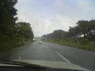 コレが沖縄名物カタブイ(通り雨)_d0053751_7451494.jpg