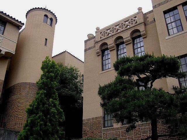 神戸女学院 音楽部1号館_c0094541_2244277.jpg