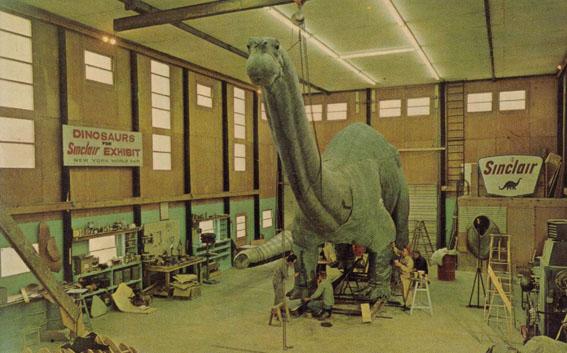 シンクレア恐竜である。_a0077842_21495599.jpg