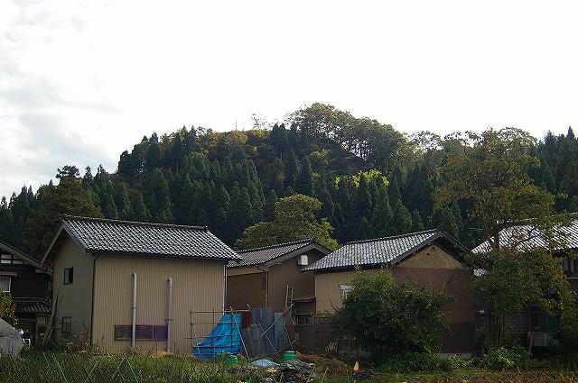 一向一揆の砦・二曲城跡 馬方そば_d0043136_22262762.jpg