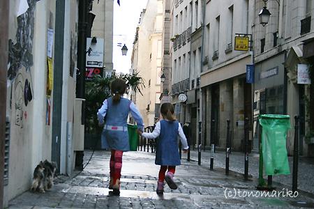 パリのごみ掃除機隊_c0024345_22572236.jpg