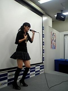 歌ってます!!_c0053207_2338589.jpg