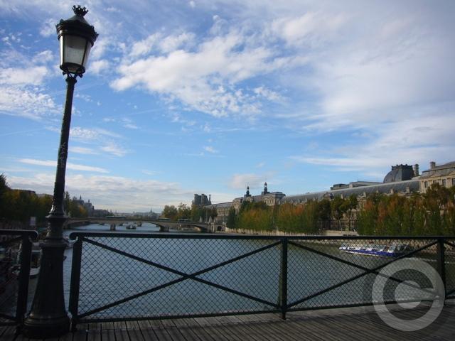 ■秋の芸術橋の上から・・・(パリPARIS)_a0008105_19361549.jpg