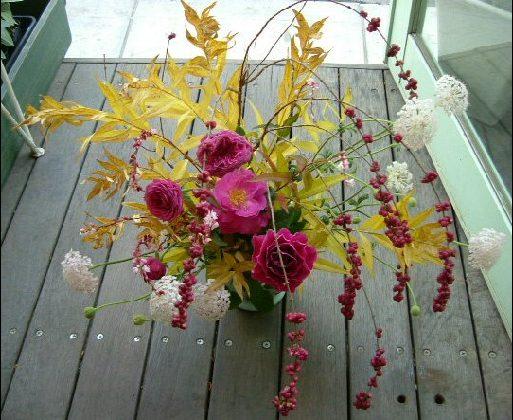 オークリーフ花の教室(金色に色づいた丁子の葉をつかって)_f0049672_8565097.jpg